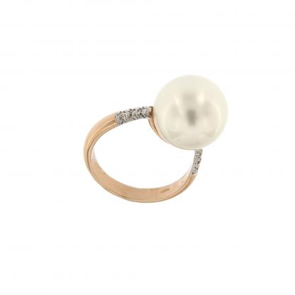 Anello in oro rosa 18kt con diamanti GVS o neri 0,48 kt e perla 13-14mm.
