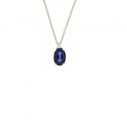 Girocollo in oro bianco 18 kt con diamanti GVS e zaffiro blu taglio ovale 7x5mm.