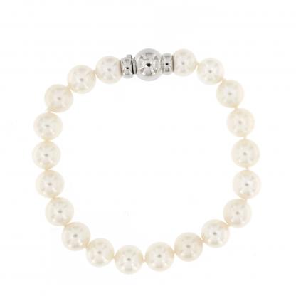 Bracciale in perle Akoya 8,5-9mm con chiusura in oro bianco 18 kt.
