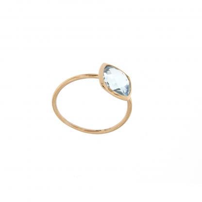 Anello in oro rosa 18kt, con topazio azzurro taglio antico briolette 8x8mm.