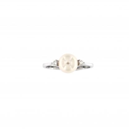 Anello in oro bianco 18kt con perla akoya 7,5-8mm e diamanti GVS1