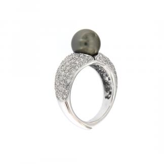 Anello in oro bianco 18kt con perla tahiti 9-9,5mm e diamnti GVS1