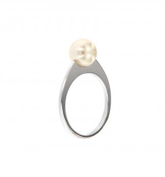 Anello in oro bianco 18kt con perla akoya