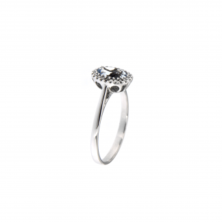 Anello in oro bianco 18kt con acquamarina ovale 7x5mm e diamanti GVS1