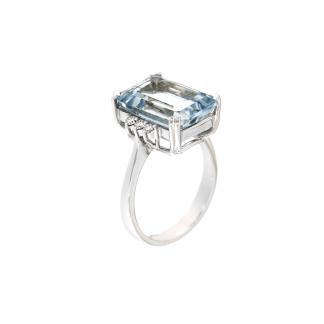 Anello in oro bianco 18kt con acquamarina ottagonale 14x10mm e diamanti GVS1